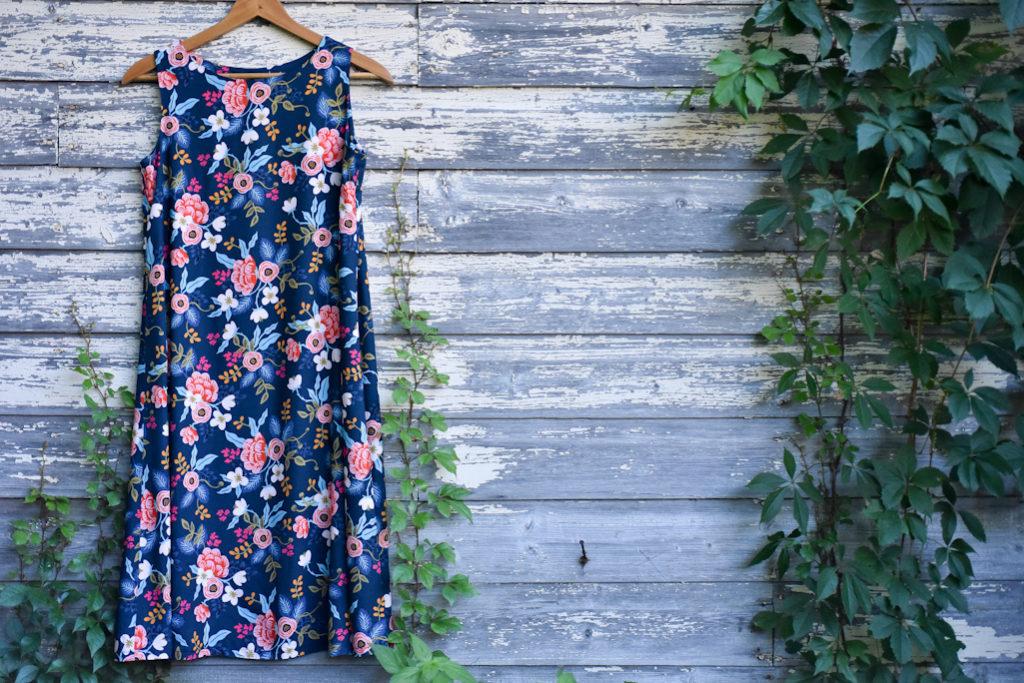 Trapeze Dress in Les Fleurs Rayon